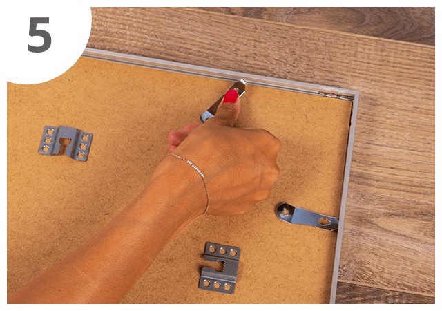 Instructions how to use puzzle frame 5th step