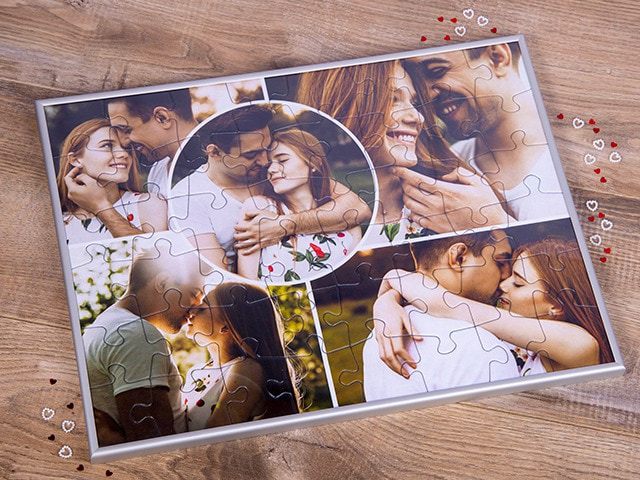 Puzzle frame for the photo puzzle